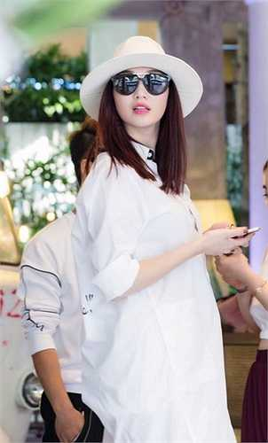 Cô cũng liên tục nhận được nhiều lời mời cho những dự án phim mới, hứa hẹn nhiều bất ngờ hơn.