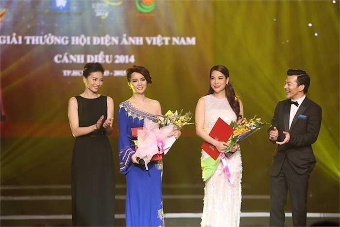 Ngô Thanh Vân thể hiện gu thời trang tinh tế, đơn giản.
