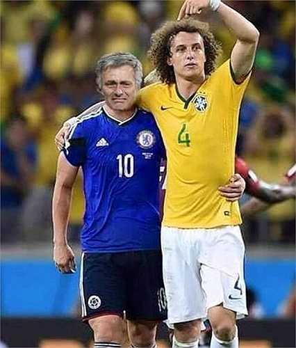David Luiz an ủi thầy cũ Mourinho