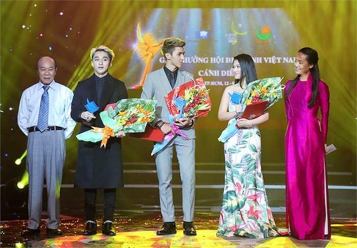 Trong khuôn khổ giải 'Cánh Diều 2014', 'con gái nuôi' của anh là Ngọc Thanh Tâm cũng được xướng tên ở hạng mục 'Diễn viên triển vọng'.