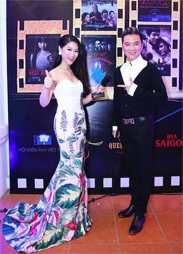 Hai diễn viên của 'Hiệp sỹ mù' tỏ ra rất phấn khích với giải thưởng này.