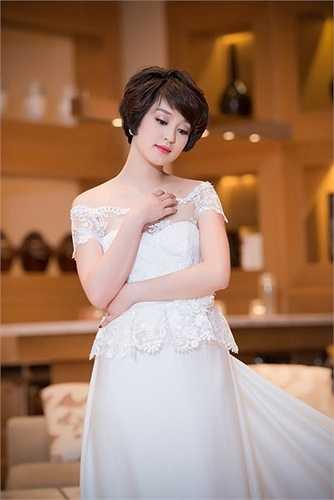 Sau khi lập gia đình, Mi Vân gần như dừng mọi hoạt động trong showbiz để sinh con gái đầu lòng.