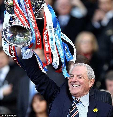 Tuy nhiên Rangers của anh lại giành chiến thắng chung cuộc 1-0 và cúp CIS Insurance năm 2010