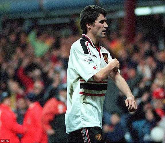 Ở trận đá lại vòng bán kết FA Cup 1999, Roy Keane khiến Quỷ đỏ rơi vào thế 10 chống 11 khi trận đấu còn tới 15 phút