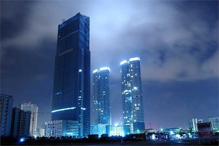 1. Hanoi Landmark 72. Địa điểm: Hà Nội. Chiều cao: 336 m. Mở cửa từ tháng 5/2012, Hanoi Landmark 72 bao gồm 2 cao ốc văn phòng 50 tầng cùng với 1 tháp cao 72 tầng. Nhà ở, trung tâm thương mại, văn phòng và khách sạn là những dịch vụ Hanoi Landmark 72 cung cấp.