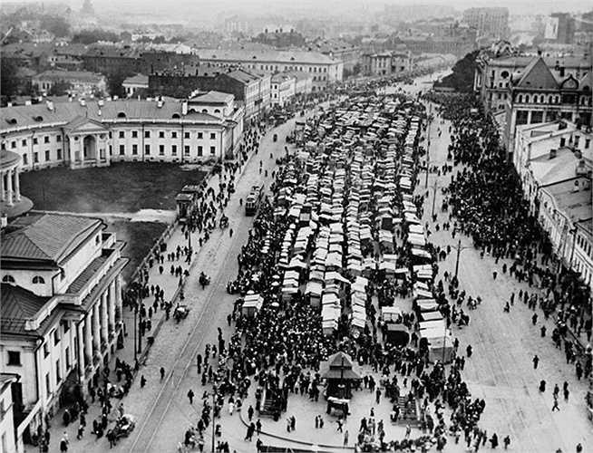Chợ Sukharevsky, 1920