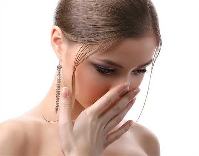 Giúp hơi thở thơm mát: Lá và hạt thì là có thể làm thay đổi hơi thở của bạn, vì thì là có mùi thơm và chống vi khuẩn. Các vi khuẩn trong miệng sẽ bị tiêu diệt, nhờ vào tính kháng khuẩn của rau thì là.