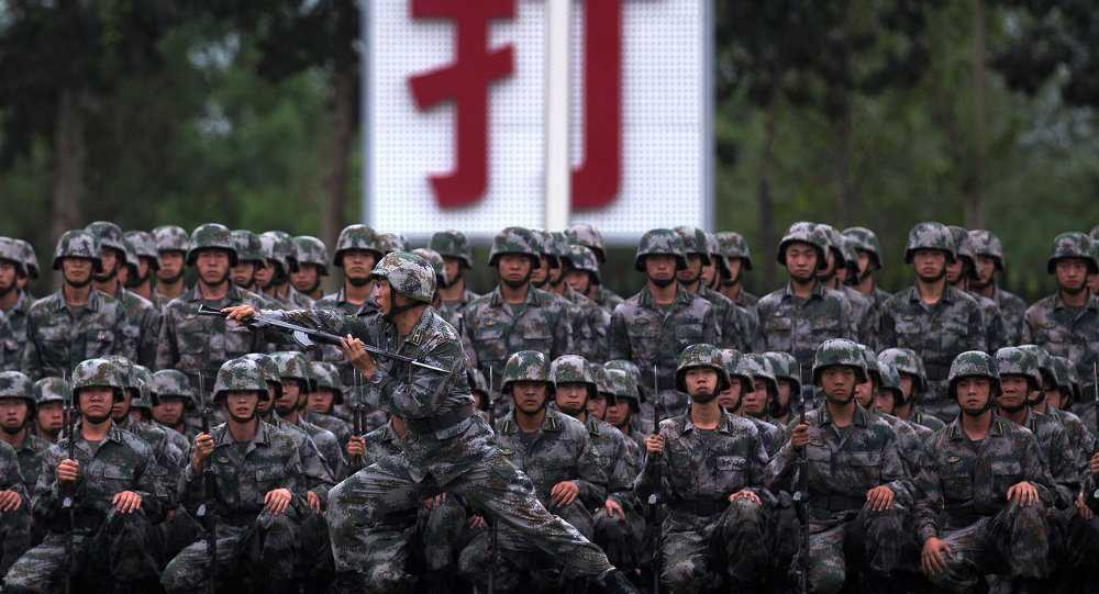 Binh sĩ Trung Quốc luyện tập