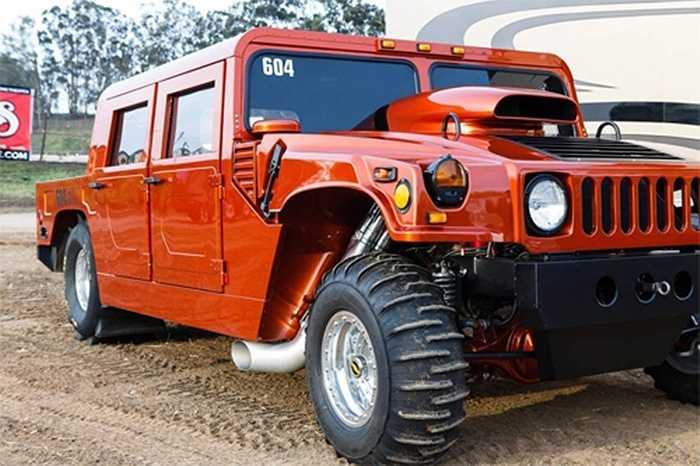 Người chủ đầy tự hào, Grant Fraysier đến từ San Luis Obispo, California, Mỹ, mất 3 năm để hoàn thiện mẫu xe đặc biệt với cảm hứng từ Hummer.