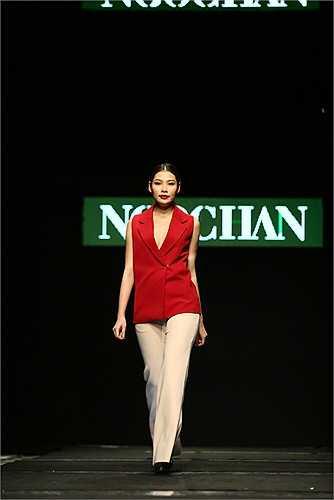 Ngọc Hân mang bộ sưu tập mới nhất đến Tuần lễ thời trang Việt Nam – Vietnam Fashion Week Fall Winter 2015.