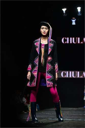 Với vai trò người mẫu, Hoa hậu Thùy Dung đã truyền tải hết ý tưởng của nhà thiết kế.