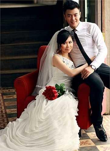 hanh Huyền từng du học tại Anh, tuy nhiên, cô vẫn giữ được sự khéo léo và hiền lành của người phụ nữ Việt. Chính điều này khiến anh trai Tuấn Tú là Phan Anh và mọi người trong gia đình anh hài lòng, quý mến nàng dâu trẻ.