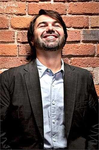 Mark Vadon. Tài sản năm ngoái: 1,35 tỷ USD. Tài sản năm nay: 653 triệu USD. Ông đã làm việc 6 năm tại Bain & Co trước khi thành lập hãng bán lẻ trang sức online - Blue Nile năm 1999. Công ty này IPO năm 2004 và đến năm 2010, Vadon ra mắt trang bán hàng trực tuyến khác có tên - Zulily.