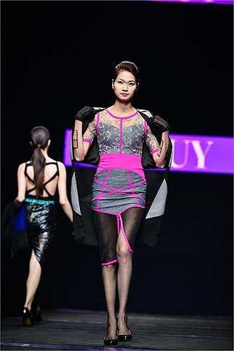 Tuần lễ thời trang Việt Nam thu đông 2015 đang tái hiện nhịp điệu sôi động của đời sống hiện đại.