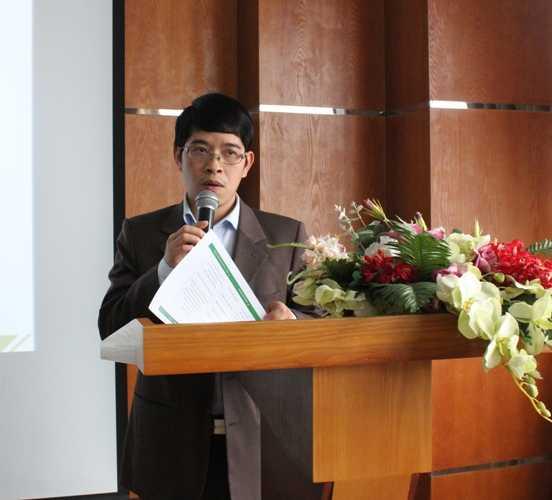 PGS.TS Nguyễn Đình Thọ phát biểu tại cuộc họp báo