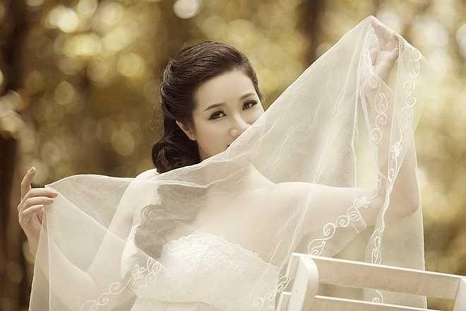 Bước qua tuổi tứ tuần, Thanh Thanh Hiền ngày càng nữ tính, thanh lịch và quý phái. (Nguồn: Zing)