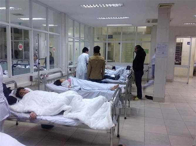 La liệt người nằm trong viện.