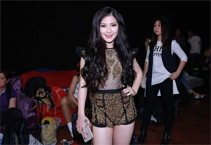 Hương Tràm vừa tham gia một sự kiện với vai trò là ca sĩ khách mời
