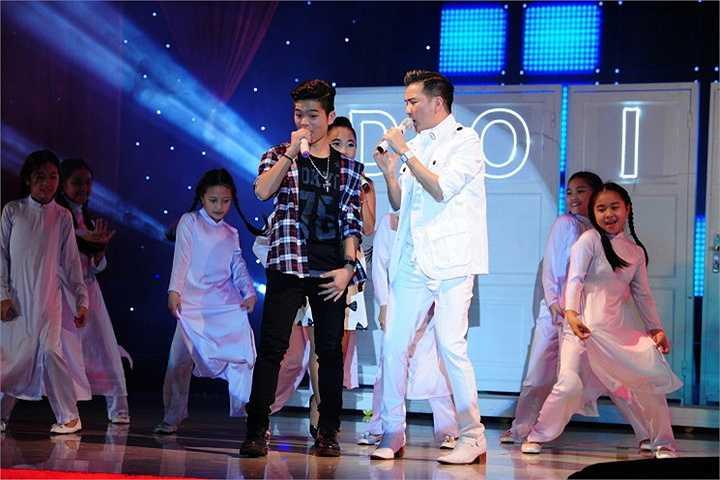 Bùng nổ cho những hoạt động và dự án của mình trong năm 2015, 'Ông hoàng nhạc Việt' đã khởi động bằng một liveshow đặc biệt.