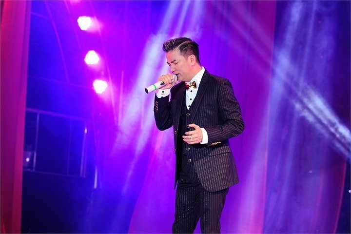 Mr Đàm cũng là thành viên duy nhất ngồi cả 3 mùa ghế nóng của The Voice