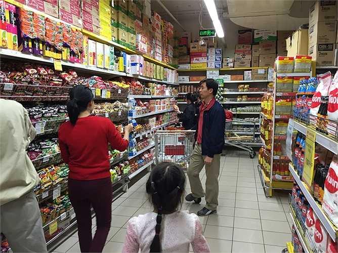 Khách hàng đã có thể thoải mái mua sắm mà không lo ngại vấn đề ngạt thở