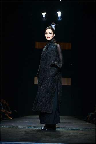 Tuần lễ thời trang Việt Nam – Vietnam Fashion Week Fall Winter 2015 đã khép lại chuỗi giới thiệu các bộ sưu tập Ready-to-wear (thời trang ứng dụng) cho mùa Thu Đông