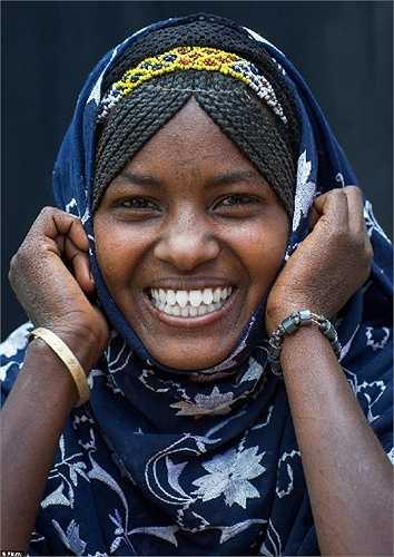 Nụ cười chiến thắng của người phụ nữ bộ tộc Afar ở Assaita, Etiopia.