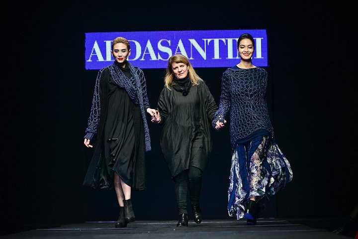 NTK Alda Santini vừa tham gia Tuần lễ thời trang Việt Nam.