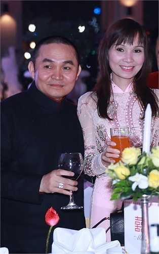 Cận cảnh vẻ xinh đẹp của vợ danh hài Xuân Hinh. Chị chủ yếu ở nhà 'tề gia nội trợ' và rất ít xuất hiện trong các sự kiện.