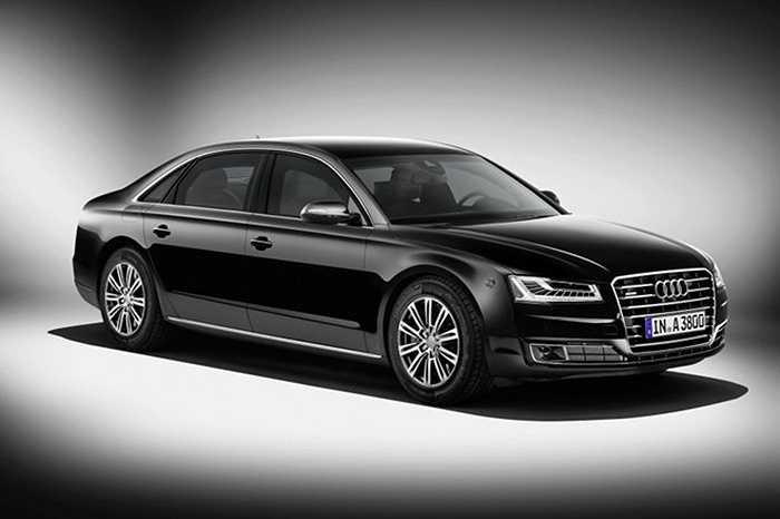 4. Audi A8 Security (700.000 USD). Xe được thiết kế không khác những chiếc sedan bình thường. Mức độ bảo vệ của chiếc xe này được chứng nhận bởi trung tâm thử nghiệm đạn tại Đức. A8 được trang bị lớp giáp đặc biệt bằng hợp kim nhôm và thép cùng gốm sứ, có thể bảo vệ ở cấp độ VR7.