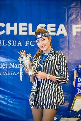 Huyền My vốn là fan cuồng nhiệt của CLB Chelsea từ nhiều năm nay.