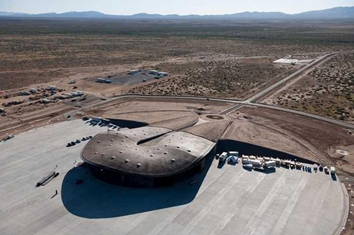 Virgin Galactic đã gặp rất nhiều trở ngại, bao gồm việc tàu không gian SpaceShipTwo nô tung chỉ vài giây sau khi phóng đi.
