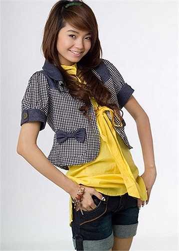Năm 2009, phong cách Minh Hằng dần khởi sắc. Cô có những bộ ảnh đẹp. Nhưng thỉnh thoảng khán gải vẫn 'tá hoả' khi cô xuất hiện trong những bộ cánh 'khó đỡ'.
