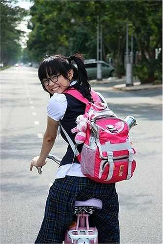 Năm 2008, Minh Hằng được mời vào vai chính trong bộ phim điện ảnh 'Giải cứu thần chết'. Đây tiếp tục là một vai diễn có tạo hình 'xấu' của Minh Hằng. Diễn xuất sinh động cùng với lợi thế là một ca sĩ, Minh Hằng hóa thân xuất sắc thành cô bé An An ngốc nghếch ước mơ thành ngôi sao ca nhạc