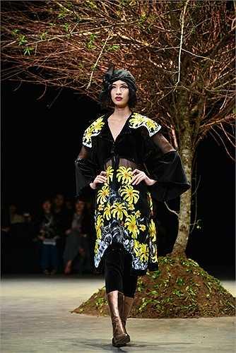 NTK Lan Hương - nàng thơ của áo dài nay lại trở thành nàng thơ của phong cách cổ điển.