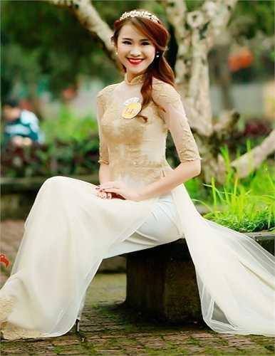 Phạm Mai Hải Phượng,lớp QH2011 F2, Khoa Ngôn ngữ và Văn hóa Pháp – Đại học Ngoại ngữ.