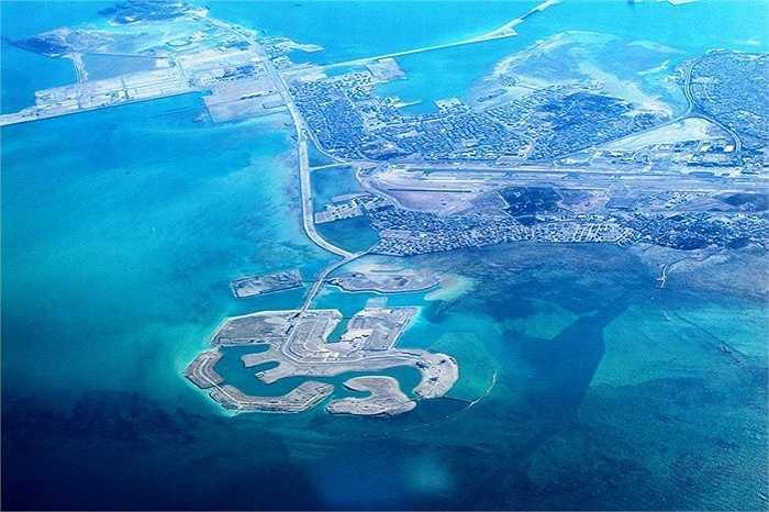Quần đảo Amwaj, Bahrain : rộng khoảng gần 3 triệu m2. Quần đảo Amwaj được khai hoang từ vùng biển tương đối nông ở phía đông bắc của đảo Muharraq