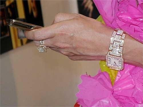 Chiếc đồng hồ có giá trị lên đến vài tỷ đồng.