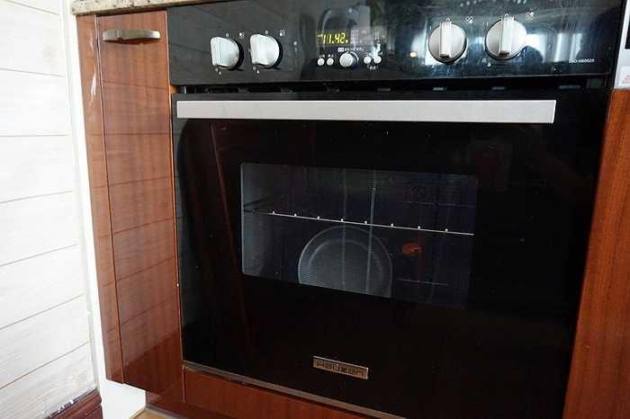 Đến chiếc máy thường thấy trong nhiều hộ gia đình tại Hàn Quốc như lò vi sóng cũng mang thương hiệu Hauzen