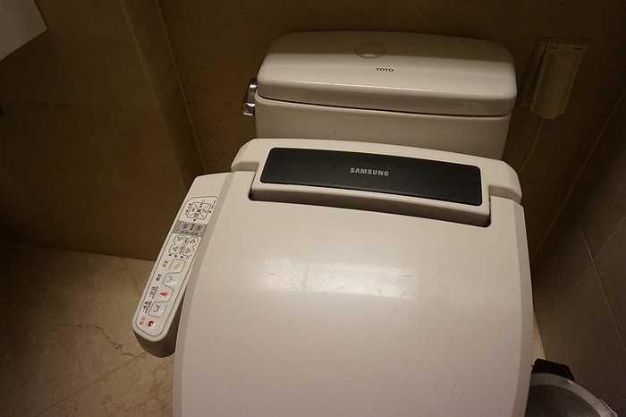 Thương hiệu Samsung lan sang cả phòng tắm và vệ sinh