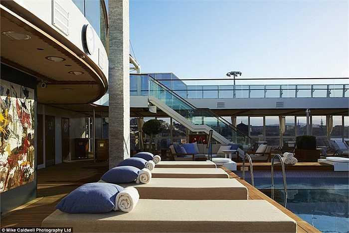 Giá bán các căn hộ lên đến hàng triệu USD. Cụ thể như căn hộ dạng studio có giá bán 1 triêu USD, còn giá bán các căn hộ cao cấp hơn có giá 13 triệu USD