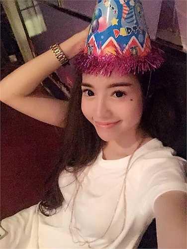 'Gái một con' quyến rũ của showbiz Việt.