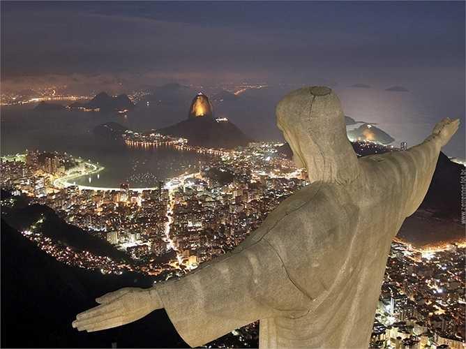 Núi Corcovado – Rio de Janeiro, Brazil