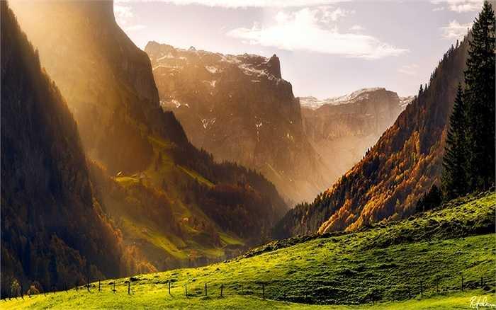 Mùa thu trong dãy núi Alps của Thụy Sĩ