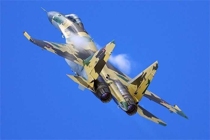 Sukhoi Su-35 một trong những con 'chim sắt' đa nhiệm cơ động nhất hiện nay