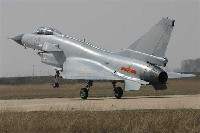 Chiến cơ động cơ đơn J-10, Trung Quốc