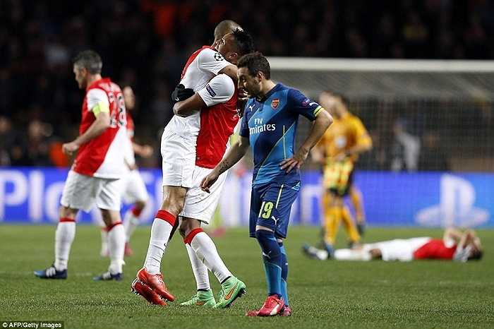 Thắng 2-0 ở lượt về và thủ hòa AS Monaco 3-3 sau 2 lượt trận nhưng Arsenal vẫn bị loại vì luật bàn thắng trên sân khách