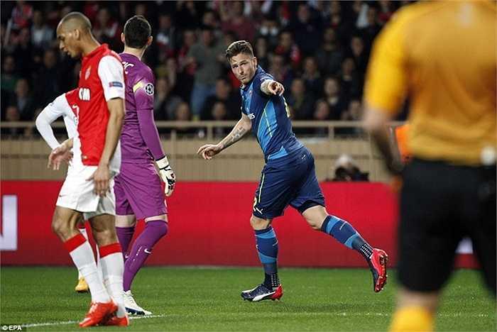 Arsenal dồn ép mạnh mẽ trong suốt cả hiệp 2