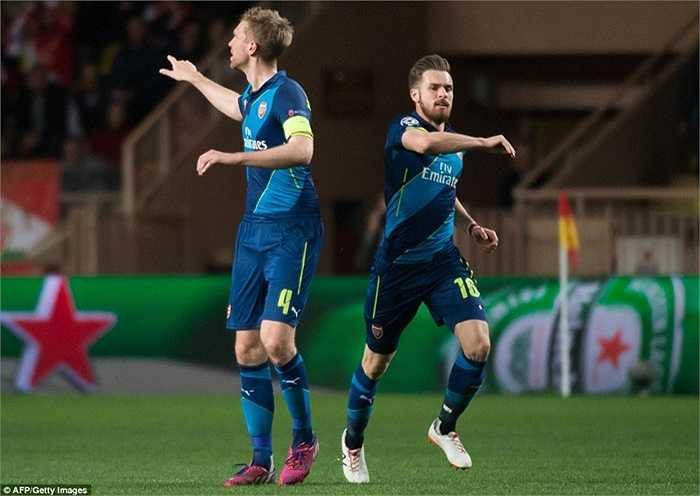 Arsenal lúc này gặp bất lợi vì họ ghi được ít bàn trên sân khách hơn