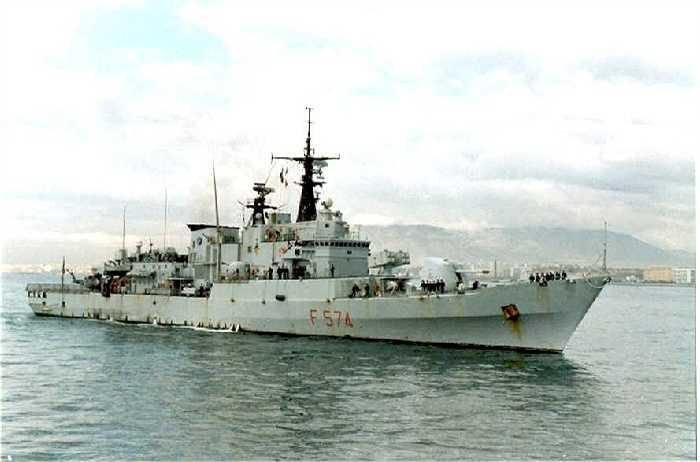 Tàu khu trục tên lửa ALISEO của Italia với bốn tên lửa tầm xa chống hạm Otomat và khẩu pháo 127mm/54 Otobreda